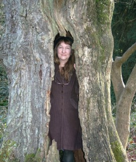 A Focus on: Annelies Egli – Artist